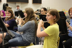 Senior Emily Anderson plays the flute in the Wind Ensemble. Photo by Abbie Wells