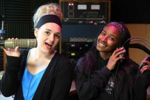 Victoria Carra (left) and Tyra Brown (right) on KZOW - Queen Takeover